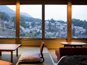 桜の抄「ゆすらん デラックス」 プライベート感たっぷりな大人だけの時間を満喫