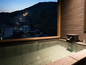 【初音プレミアム】温泉露天風呂付客室で時を忘れ、贅沢なくつろぎの時間