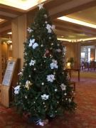 クリスマスツリーの飾りつけをしました☆