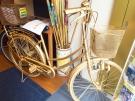 キラめく、黄金色の自転車?!