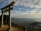 卒業旅行におすすめスポット「天空の鳥居」 高屋神社
